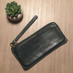 RUDSAK | Authentic leather wristlet
